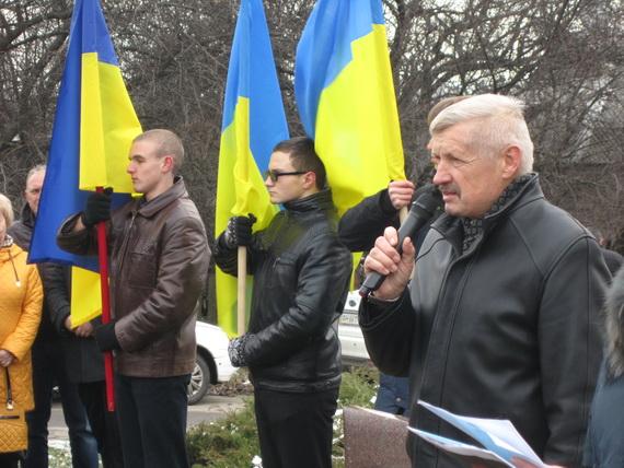 В Краматорске состоялся траурный митинг в память о жертвах голодомора (ФОТО и ВИДЕО) (фото) - фото 4