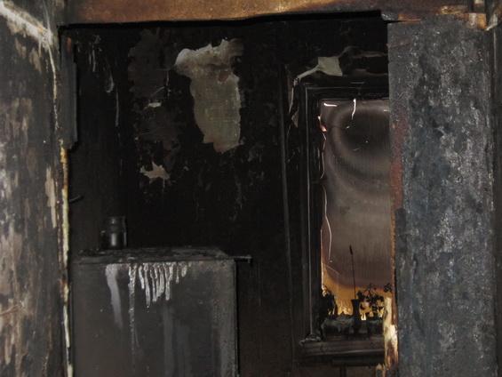 Пожар на бульваре Краматорский уничтожил квартиру и повредил две соседние (ФОТО) (фото) - фото 3